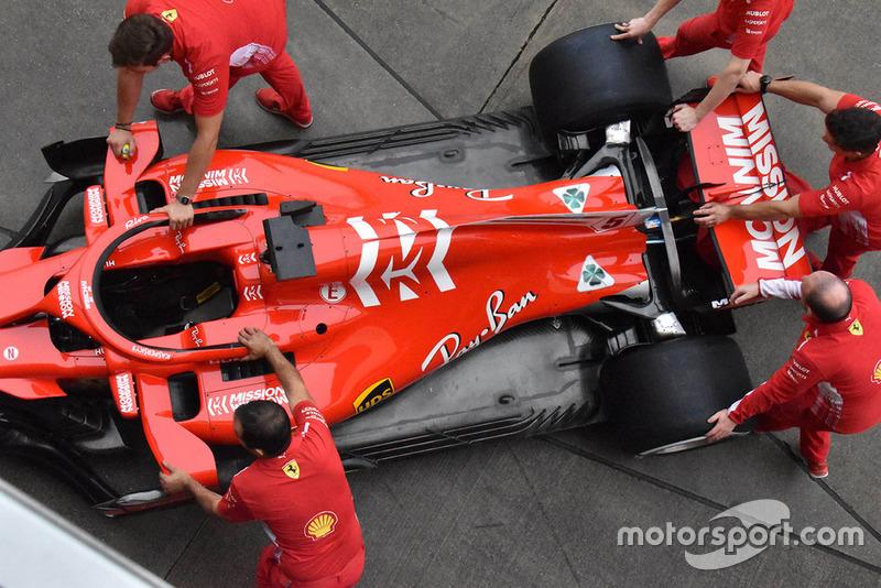 Автомобиль Ferrari SF71H
