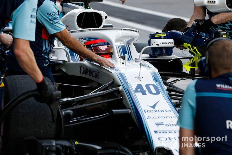 Robert Kubica, Williams FW41, si ferma nella sua piazzola box