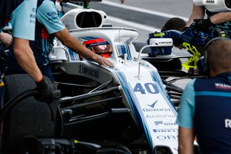 Robert Kubica, Williams FW41, s'arrête au stand