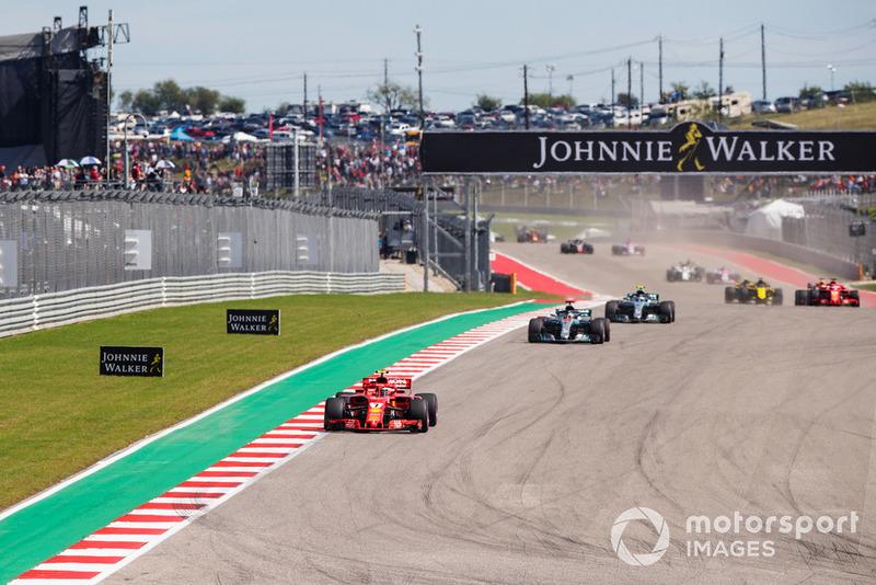 Kimi Raikkonen, Ferrari SF71H, Lewis Hamilton, Mercedes AMG F1 W09 EQ Power+, Valtteri Bottas, Mercedes AMG F1 W09 EQ Power+