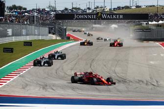 Kimi Raikkonen, Ferrari SF71H, Lewis Hamilton, Mercedes AMG F1 W09 EQ Power+, Valtteri Bottas, Mercedes AMG F1 W09 EQ Power+, Sebastian Vettel, Ferrari SF71H, Daniel Ricciardo, Red Bull Racing RB14.
