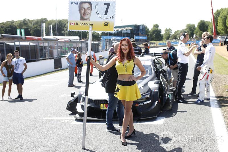 La grid girl di Bruno Spengler, BMW Team RBM