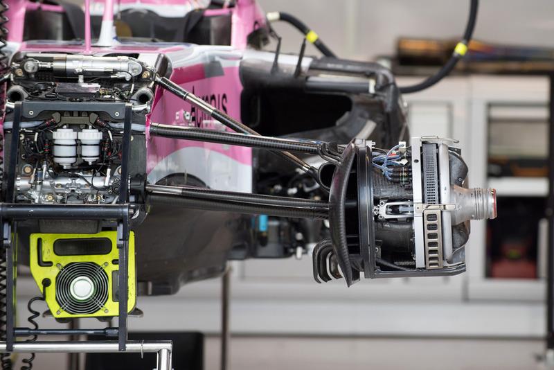 Un detalle en la ventilación del freno delantero