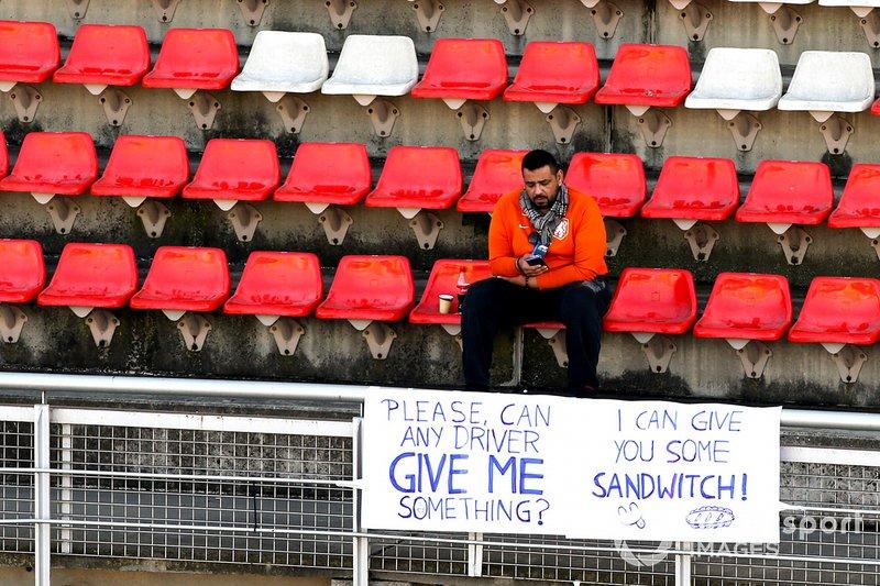 Un fan dans les tribunes