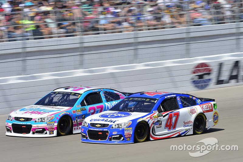 A.J. Allmendinger, JTG Daugherty Racing Chevrolet, Chris Buescher, JTG Daugherty Racing Chevrolet