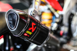 Auspuff: Aprilia RSV4 F vom Milwaukee Aprilia World Superbike Team