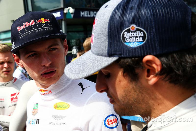 Max Verstappen, Red Bull Racing; Carlos Sainz Jr., Scuderia Toro Rosso