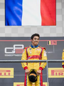 Podium : le vainqueur Giuliano Alesi, Trident