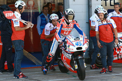 Scott Redding, Pramac Racing pit lane bike swap