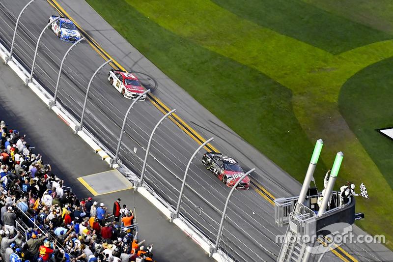 Sieg für Kurt Busch, Stewart-Haas Racing, Ford
