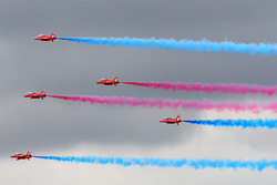 Fly-Over: Red Arrows