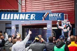 Winner Yann Ehrlacher, RC Motorsport Lada Vesta