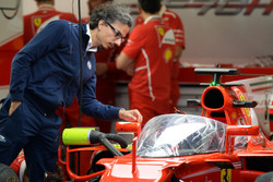Laurent Mekies, FIA Safety Director looks at Ferrari SF70-H with cockpit shield