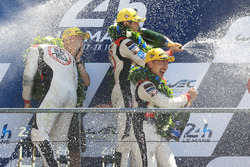 LMP2 podium: winners Ho-Pin Tung, Oliver Jarvis, Thomas Laurent, DC Racing