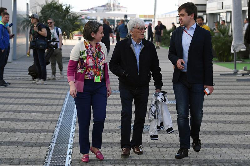 Bernie Ecclestone, Elena Zaritskaya, Sergey Vorobyev, Sochi Autodrom Deputy General Director