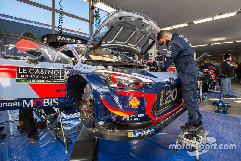 Zona del Hyundai Motorsport team