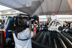 Sean Bratches, Managing Director of Commercial Operations, Formula One Group, tries his hand at the