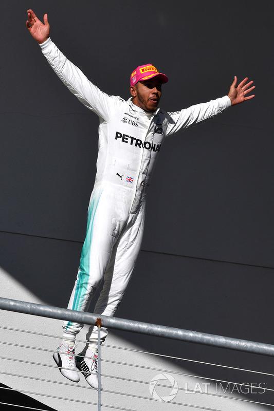 Переможець Льюіс Хемілтон, Mercedes AMG F