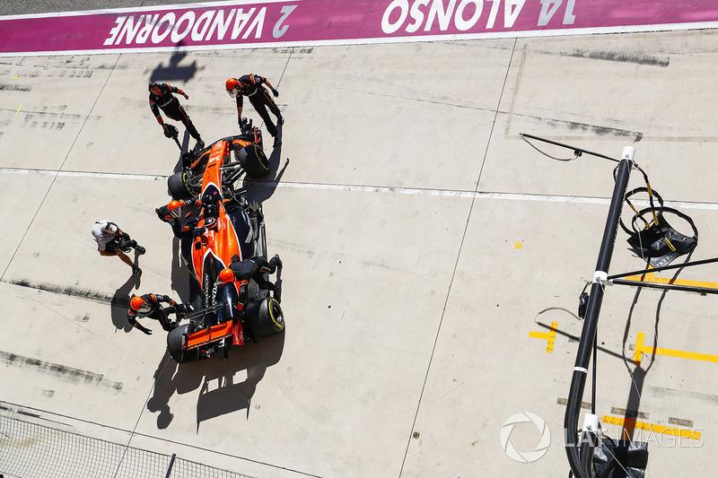 Fernando Alonso, McLaren MCL32 (11 abandonos)