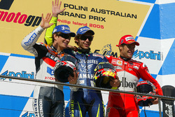 Podium: 1. Valentino Rossi, Yamaha Factory Racing; 2. Nicky Hayden, Repsol Honda Team; 3. Carlos Che
