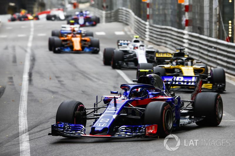 Pierre Gasly, Toro Rosso STR13, Nico Hulkenberg, Renault Sport F1 Team R.S. 18, Sergey Sirotkin, Williams FW41, y Stoffel Vandoorne, McLaren MCL33