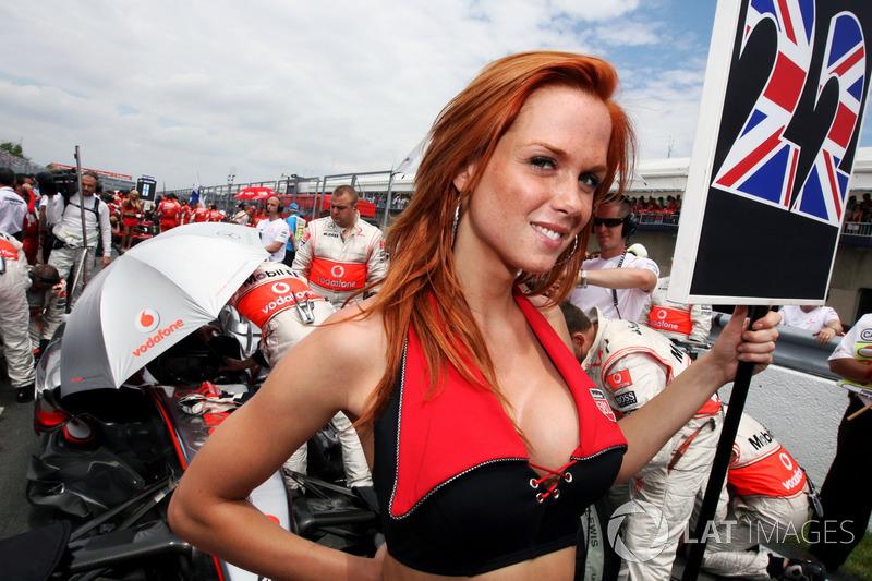 В сезоне-2008 в Формуле 1 еще были грид-герлз – и никто в чемпионате даже не заикался о возможном отказе от девушек на стартовой решетке
