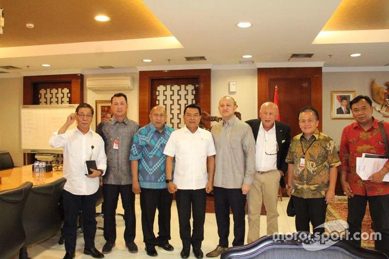 Kepala Staf Kepresidenan (KSP), Moeldoko; Direktur Sentul, Tinton Soeprapto; dan Ananda Mikola