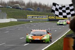 Sieger #63 ORANGE1 by GRT Grasser Lamborghini Huracán GT3: Andrea Caldarelli, Mirko Bortolotti