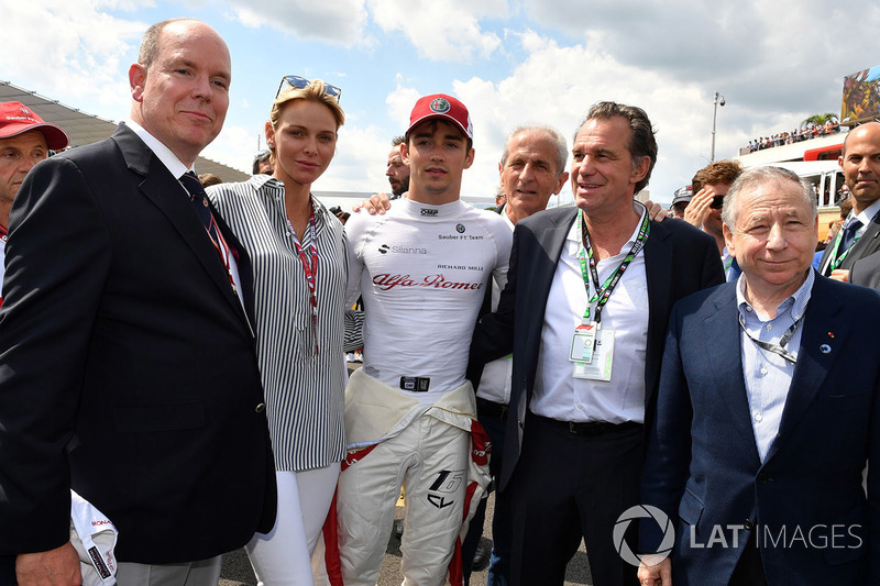 Charles Leclerc, Sauber on the grid with HSH Prince Albert of Monaco (MON), Princess Charlene of Monaco, Charlene Wittstock, and Jean Todt, FIA President