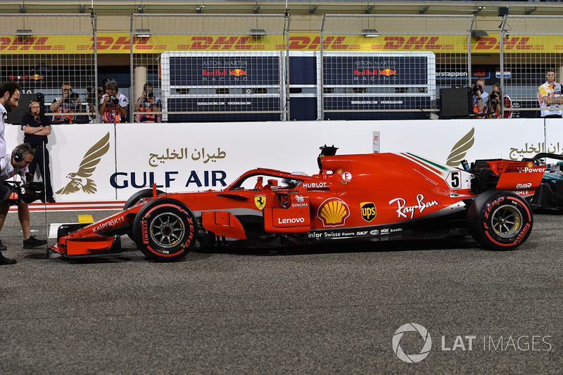 Ganador de la pole Sebastian Vettel, Ferrari SF71H in parc ferme