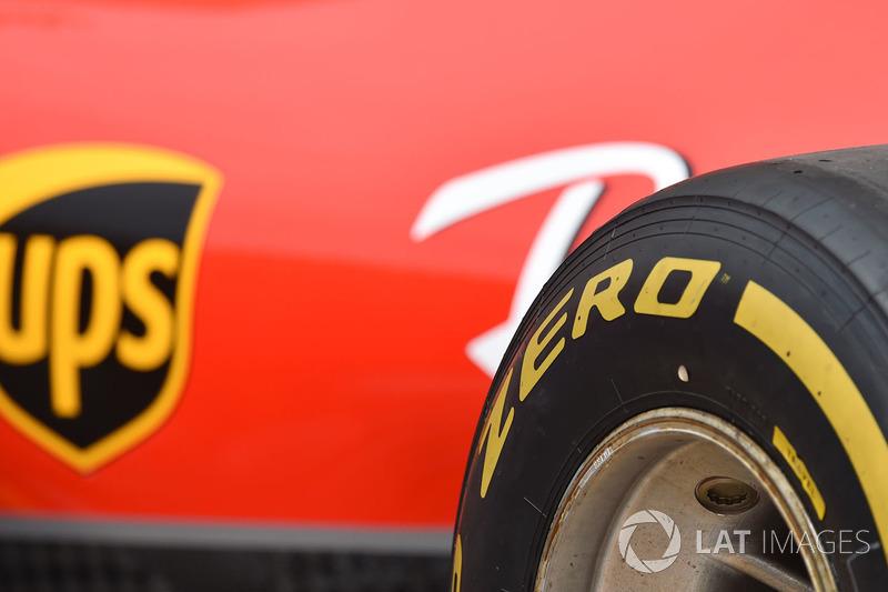 Ferrari ve Pirelli lastiği