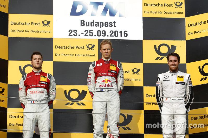Podium: Ganador, Mattias Ekström, Audi Sport Team Abt Sportsline, Audi A5 DTM; segundo, Adrien Tambay, Audi Sport Team Rosberg, Audi RS 5 DTM; tercero Daniel Juncadella, Mercedes-AMG Team HWA, Mercedes-AMG C63 DTM