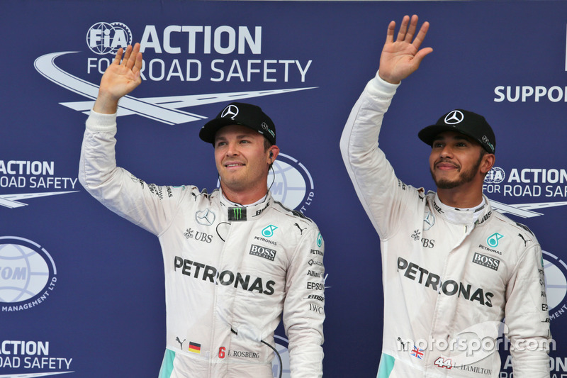 Polesitter Lewis Hamilton, Mercedes AMG F1 Team; 2. Nico Rosberg, Mercedes AMG F1 Team