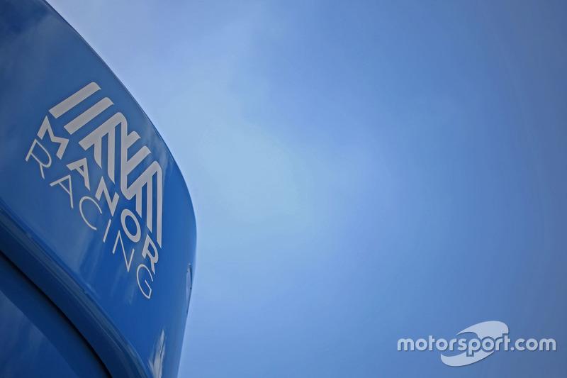 Mano Racing motorhome