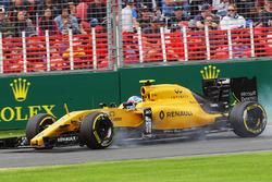 Jolyon Palmer, Renault Sport F1 Team, blokkeert tijdens het remmen