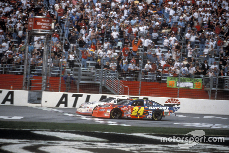 Atlanta 2001: Kevin Harvick siegt vor Jeff Gordon