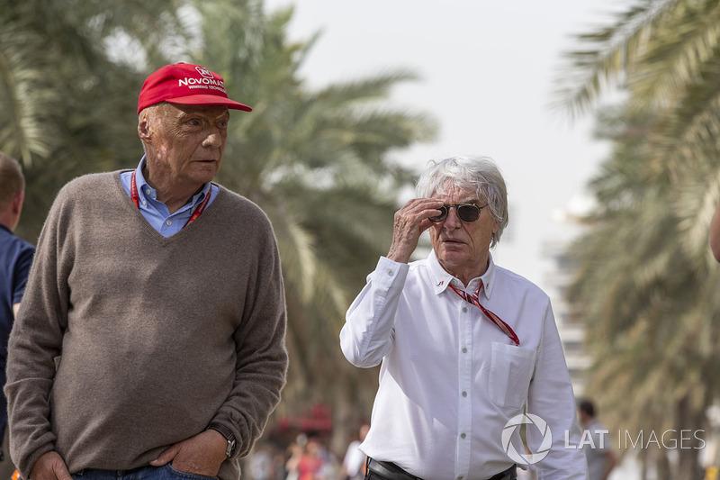 Niki Lauda, presidente no ejecutivo de Mercedes AMG F1 y Bernie Ecclestone