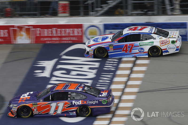 Denny Hamlin, Joe Gibbs Racing, Toyota Camry FedEx Freight A.J. Allmendinger, JTG Daugherty Racing