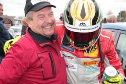 Roland Baumann, Teammanager Toyota Swiss Racing, e Manuel Amweg
