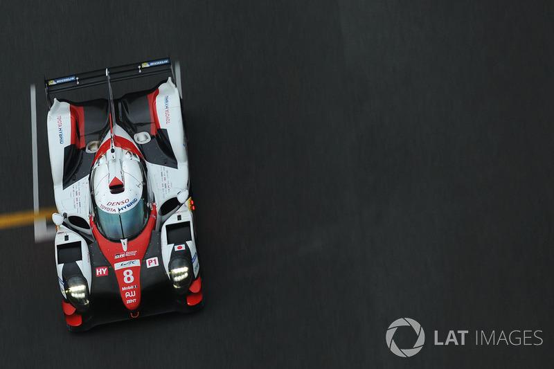 #8 Toyota Gazoo Racing Toyota TS050-Hybrid: Sebastien Buemi, Anthony Davidson, Kazuki Nakajima