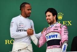 Ganador, Lewis Hamilton, Mercedes-AMG F1 y Sergio Perez, Force India celebran