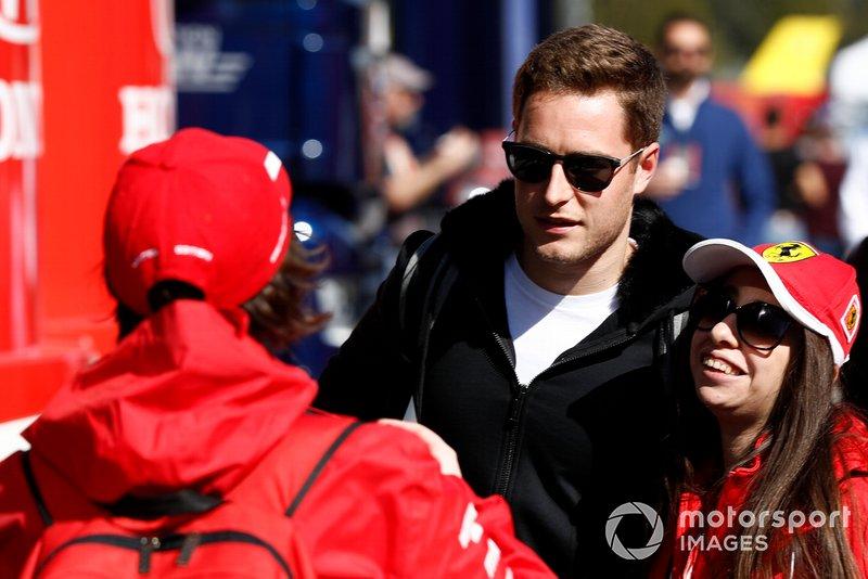 Stoffel Vandoorne con un fan