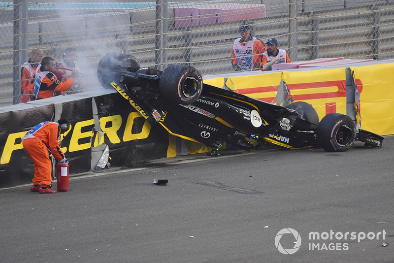 Grosjean crash flips Hulkenberg's car upside down