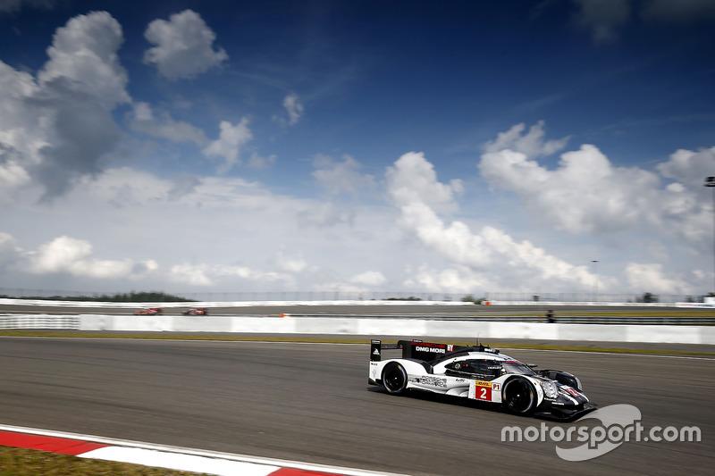 #2 Porsche Team Porsche 919 Hybrid: Romain Dumas, Neel Jani, Marc Lieb
