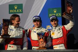 Podio LMGTE Am: al terzo posto Thomas Flohr, Francesco Castellacci, Miguel Molina
