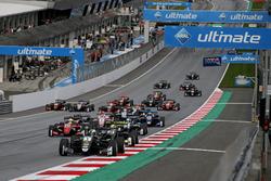 Start of the race, Joel Eriksson, Motopark Dallara F317 - Volkswagen leads