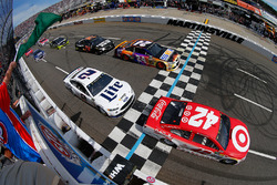 Start: Kyle Larson, Chip Ganassi Racing, Chevrolet, führt