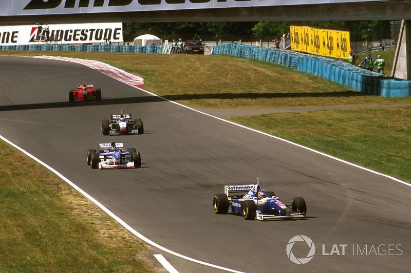 Jacques Villeneuve, Williams FW19, Damon Hill, Arrows A18, Mika Hakkinen, McLaren MP4/12, Eddie Irvine, Ferrari F310B