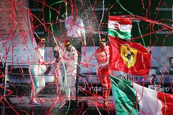 Podio: il vincitore della garaLewis Hamilton, Mercedes AMG F1, secondo Valtteri Bottas, Mercedes AMG F1, terzo Sebastian Vettel, Ferrari