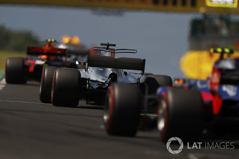 Max Verstappen, Red Bull Racing RB13, Lewis Hamilton, Mercedes AMG F1 W08, Carlos Sainz Jr., Scuderia Toro Rosso STR12, behind the safety car